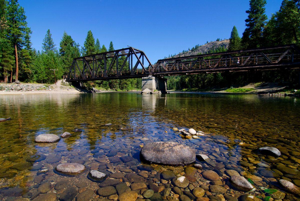 Kettle River, Kettle Valley Rail Trail, near Westbridge, Boundary