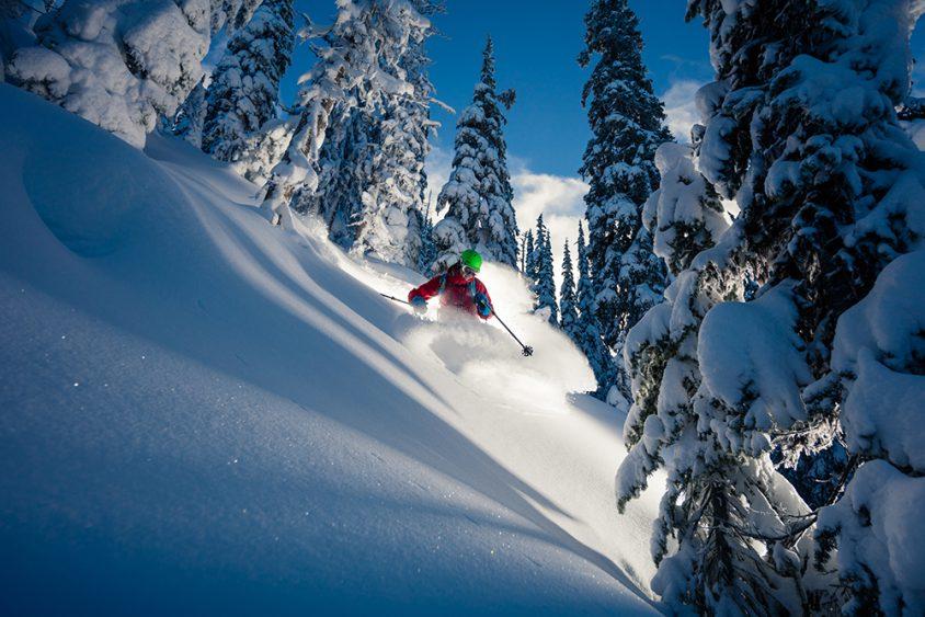 Deeo powder skiing Big White