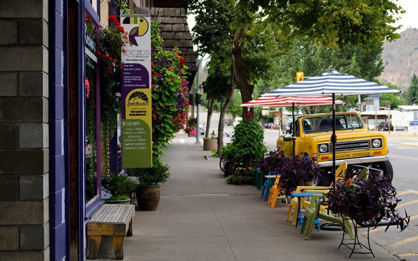 Shops and restaurants, Grand Forks, Boundary