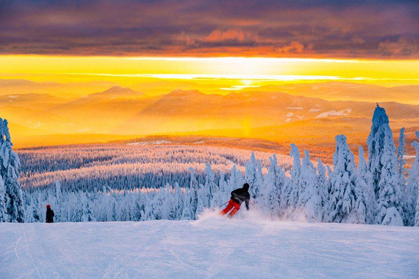 Brilliant sunset, skiing, Boundary