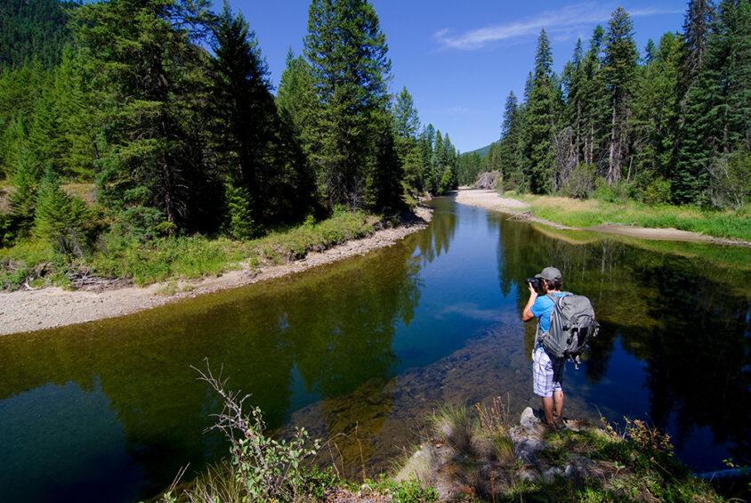 Hiking, Kettle River, near Beaverdell, Boundary