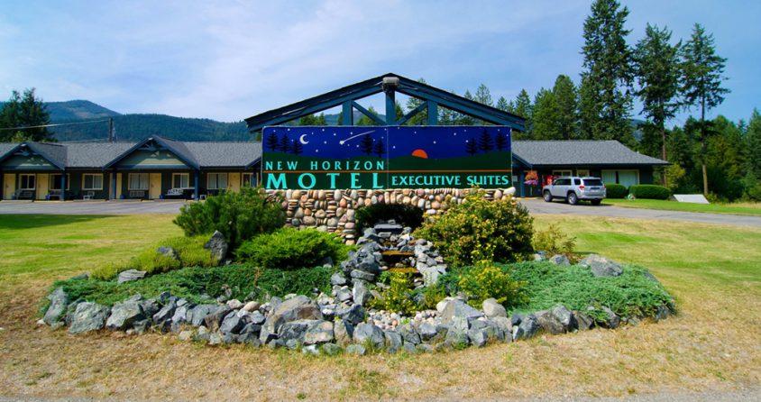 New Horizon Motel, Christina Lake, Boundary